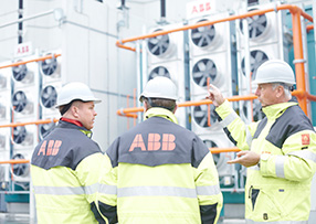 ABB employee working in pumping station in sedimentation plant in Algeria (photo)
