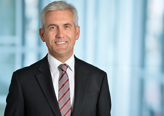 CEO Ulrich Spiesshofer (photo)